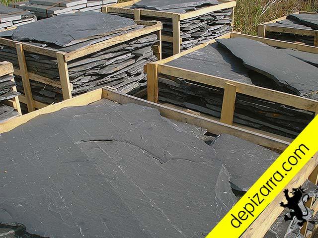 Pallet de pizarra irregular para suelos de exterior e interior. Pizarra del Bierzo.