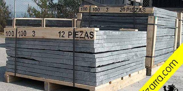 Plaque ardoise. Dalle Ardoise. Rustic slate floor tiles. Handed split. Placa de Pizarra. Pizarra natural para revestimientos, suelos y fachadas. Placa de Pizarra para Suelos, Outdoor y Jardín.