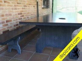 Exclusiva mesa de pizarra para interior. Mesa de pizarra negra de cantera de León. Mesa pizarra negra.