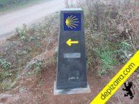 Fabricación de hitos homologados para el Camino de Santiago. Mouteiras de pizarra natural. Mojón homologado por la Xunta.