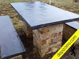 Mesa de pizarra para exteriores y jardines. Pizarra mesa exterior.
