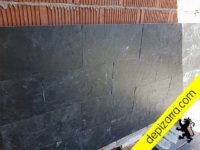 Colocación pizarra calibrada fachada.