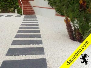 Elegante camino paso pizarra rectangular.