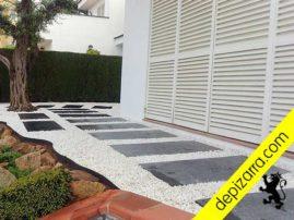 Pasos rectangulares para jardín.