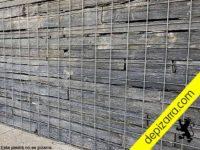 Muros de piedra con malla electrosoldada.